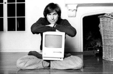 Steve Jobs z Macintoshem