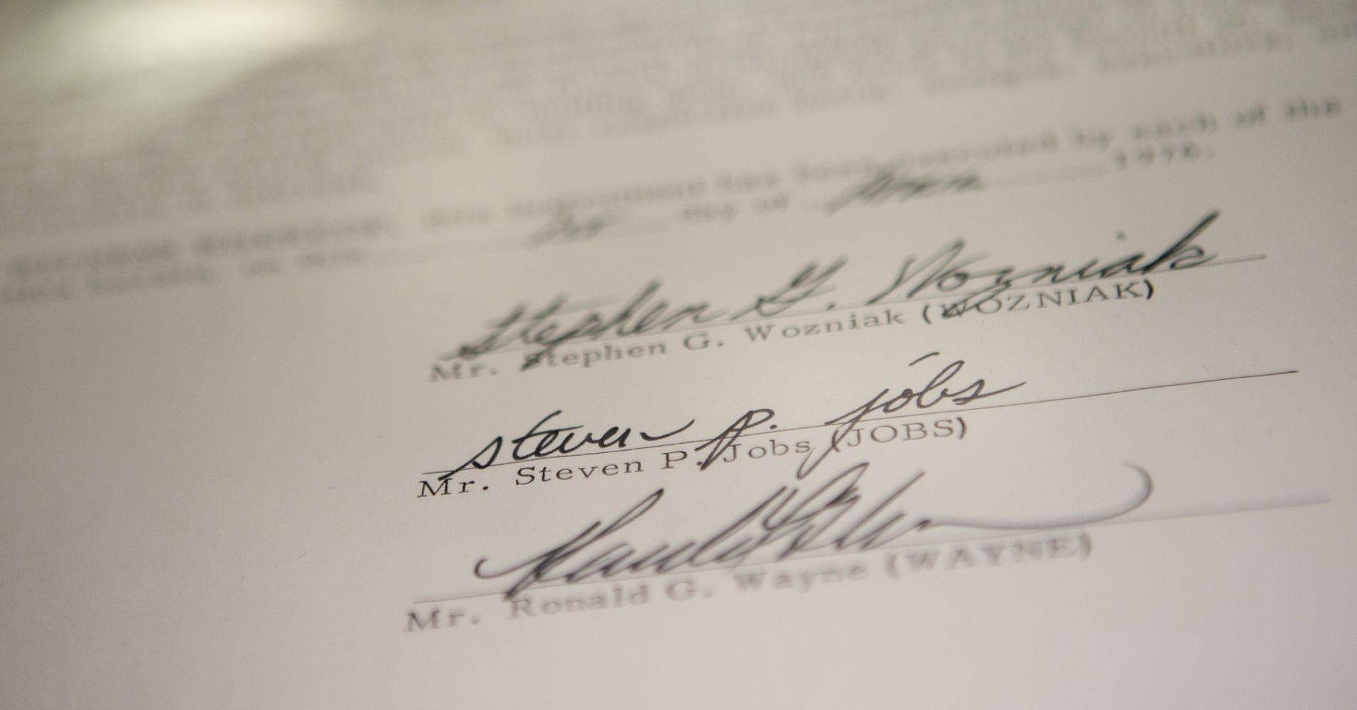 podpis steve jobs steve wozniak ronald wayne na umowie spółki apple