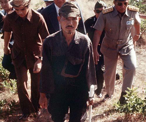 Hiroo Onoda opuszcza wyspę