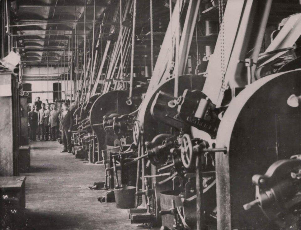 Fabryka Izraela Poznańskiego zdjęcia. Historia łódzkiej manufaktury.
