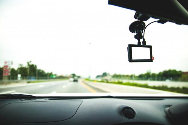 Jak ustawić wideorejestrator jazdy?