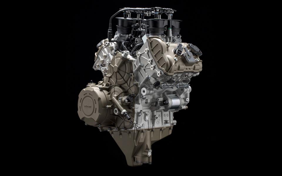 V4 silnik