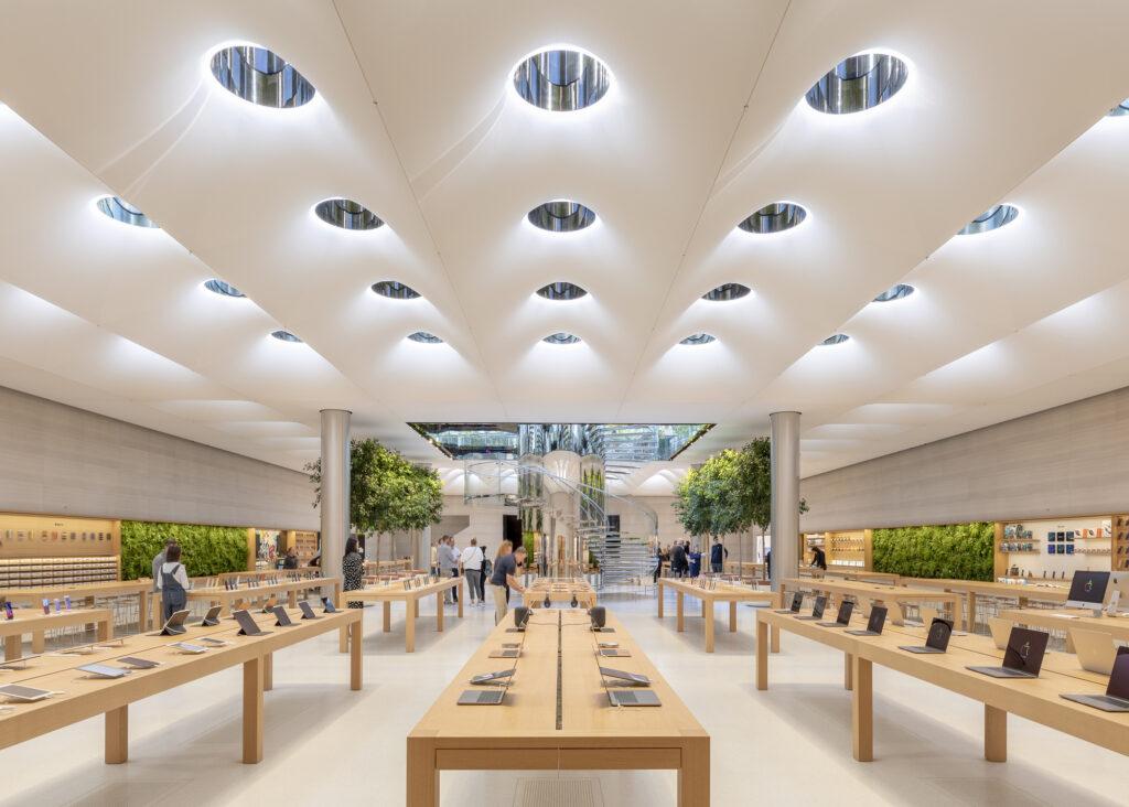 Apple Store 5th Avenue - wnętrze