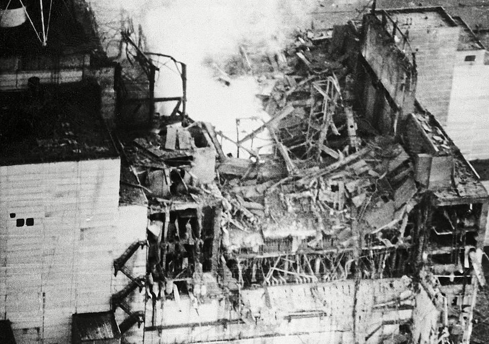 Reaktor w Czarnobylu po eksplozji