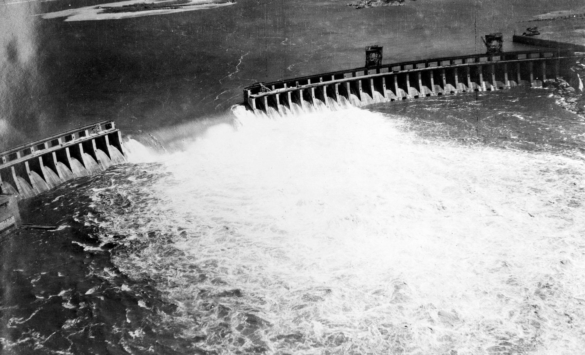 Wysadzenie Dnieprzańskiej Elektrowni Wodnej