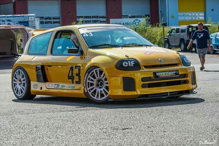 Renault Clio V6 Trophy - poprzednik Renault Clio V6